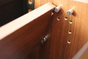 収納ボックス 斜板とダボ
