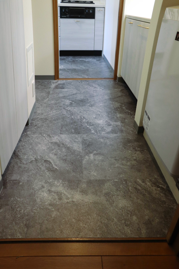 DIY キッチン 洗面所 リフォーム 床 フロアタイル